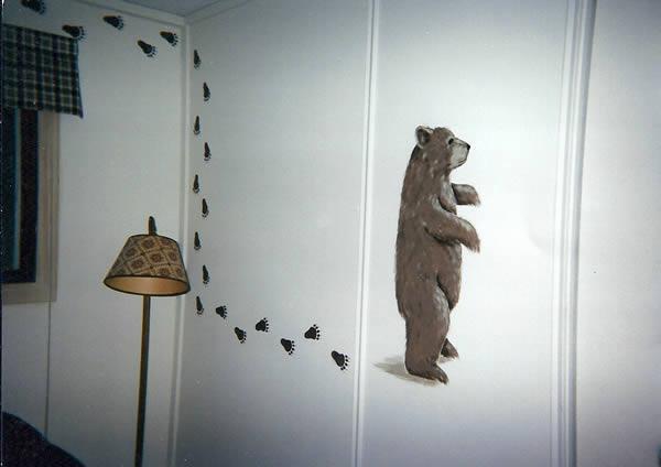 bear_on_wall-1